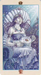 queen-of-cups-11